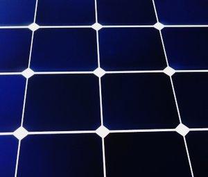 Tam pin mat LG Neon R 360W IBC cells